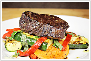 Barbecued_Steak_and_Vegetables