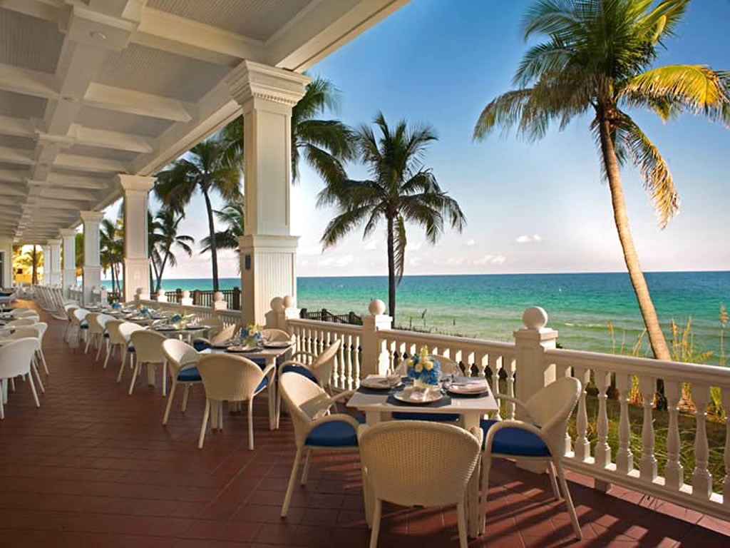 Outdoor-Fine-Dining-Hospitality-Design-of-North-Ocean-Grille-Restaurant-Fort-Lauderdale