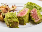 Tenderloin ovev, paneled with dried peas with smoked barbecue sauce